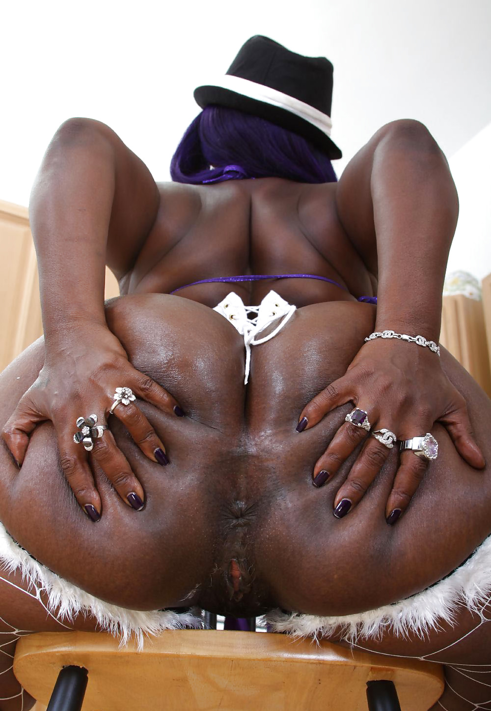 interracial trannies in corsets for sex